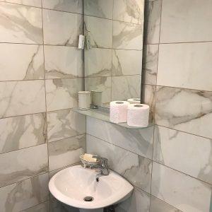 hotel-zaga-beach bathroom